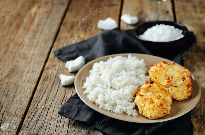 Kokosnuss Hühnerkruste mit Reis