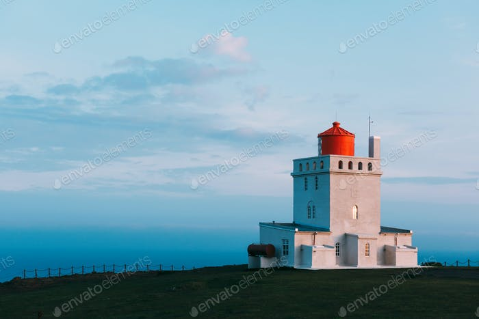 White lighthouse at Cape Dyrholaey