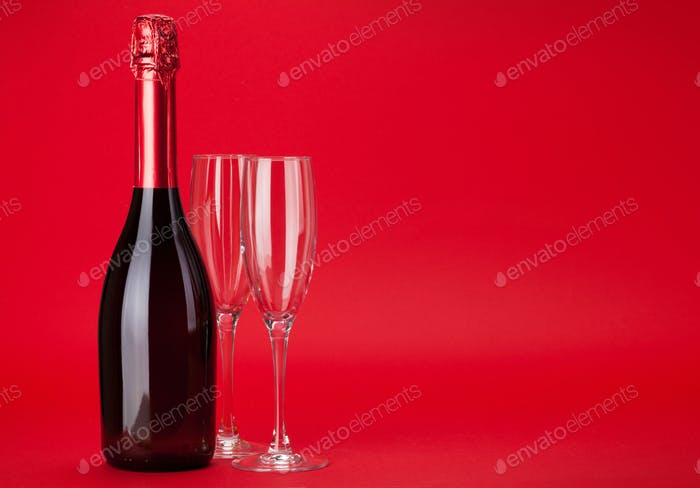 Valentines day greeting card with champagne