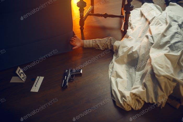 Toter Mann, Opfer und Mordwaffe, Tatort