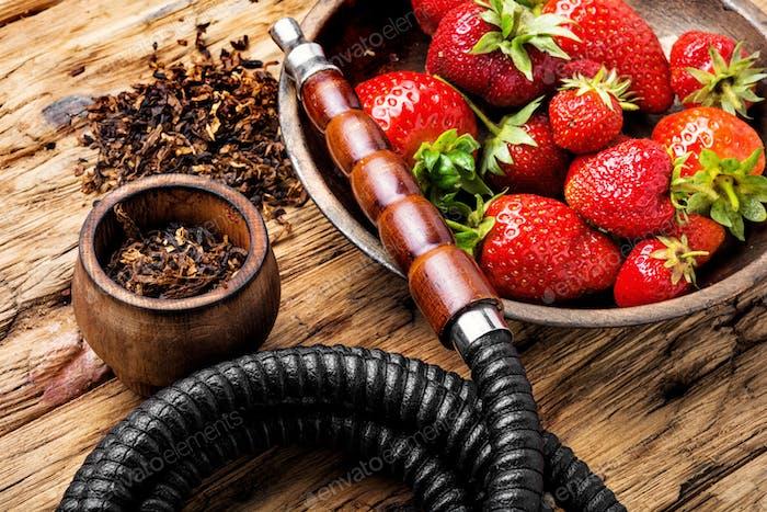 Rauchen Shisha auf Erdbeere
