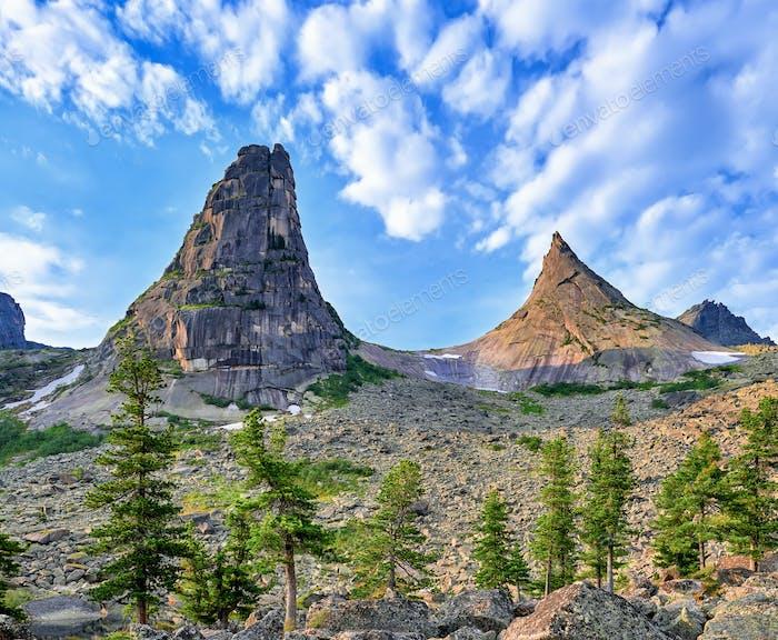 Dos picos de montaña