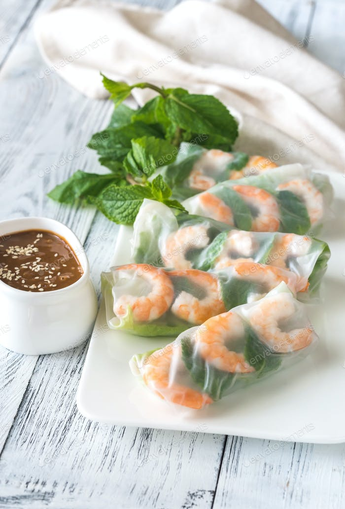 Shrimp rice paper rolls with peanut sauce
