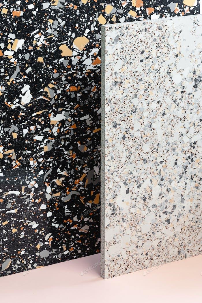 A textura do Terrazio em cores diferentes é clara e escura.