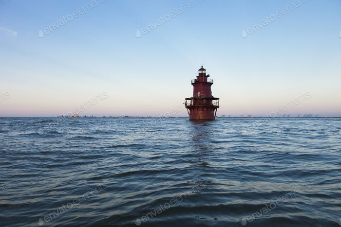54375, Leuchtturm im Ozean