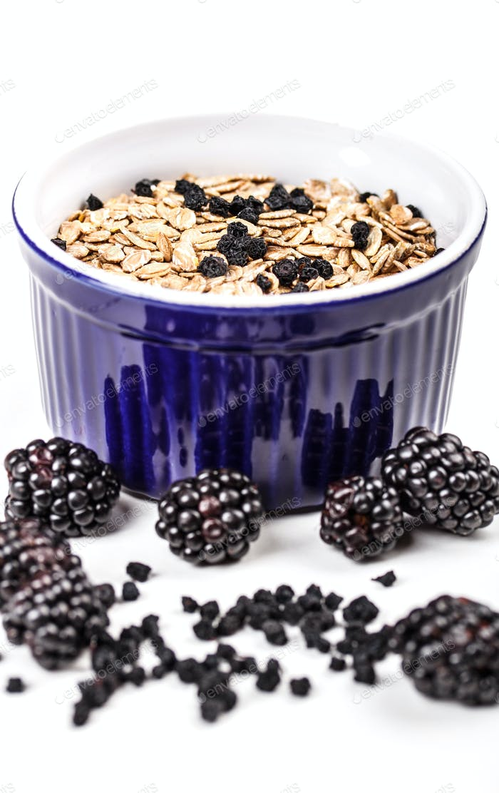 Wholegrain muesli breakfast