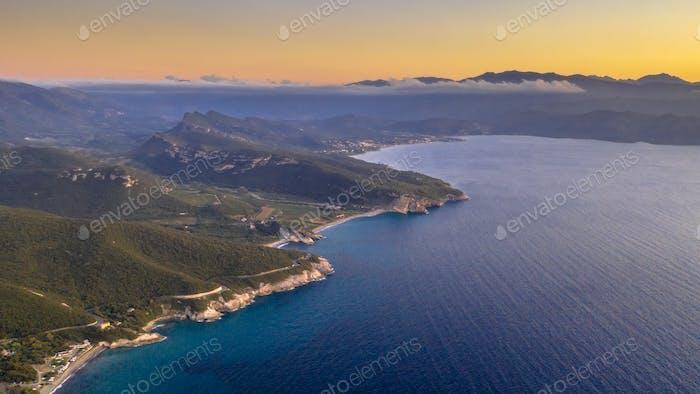 Felsküste des korsischen Cap Corse