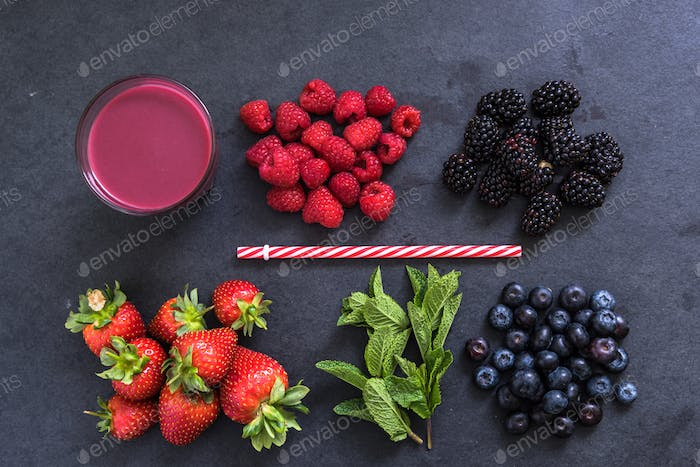 ingredients for perfect berry smoothie