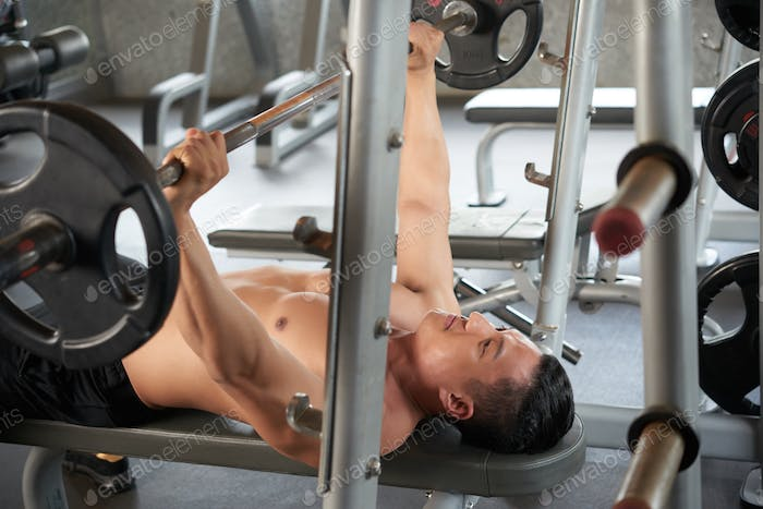Exersicing with barbell