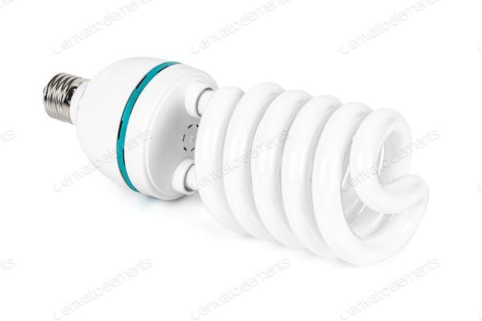 Bombilla fluorescente de bajo consumo sobre fondo blanco