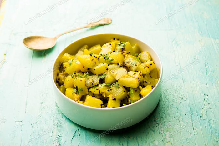 Indian style Lauki or doodhi or bottle gourd dry vegetable recipe