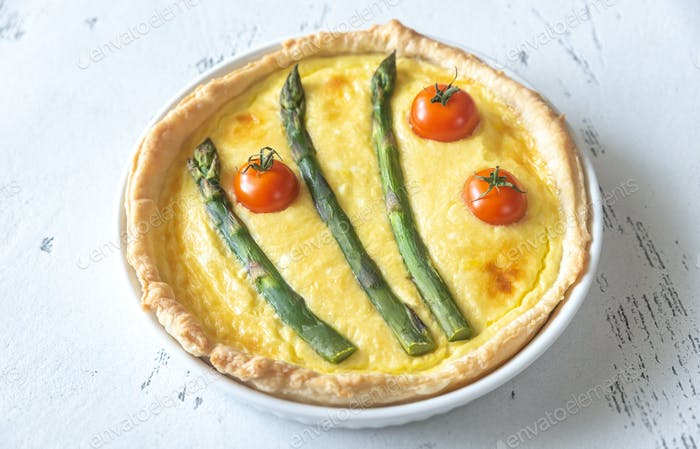 Open pie with asparagus