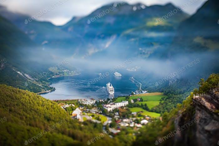 Geiranger Fjord, Norwegen Tilt Shift Linse.