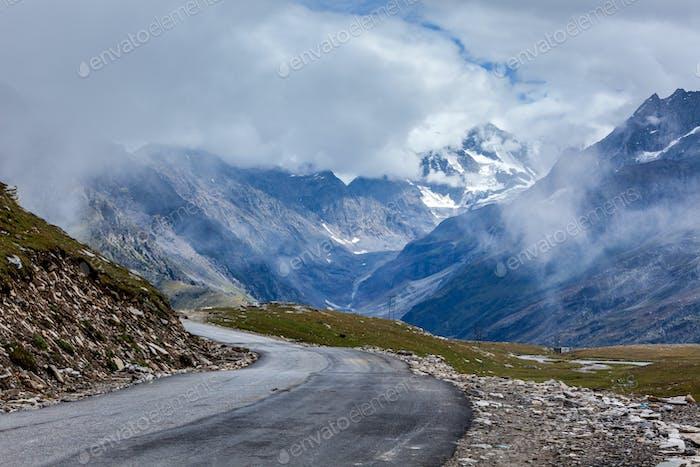 Straße in Himalaya