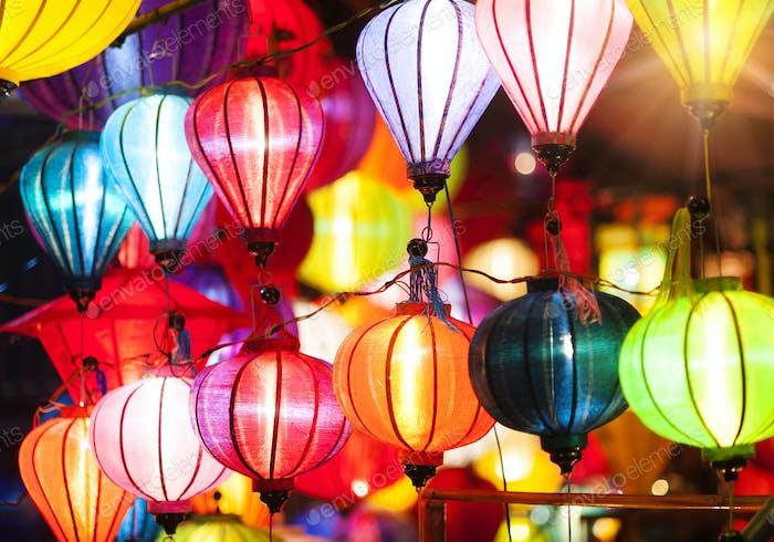 Traditionelle Laternen in Vietnam.