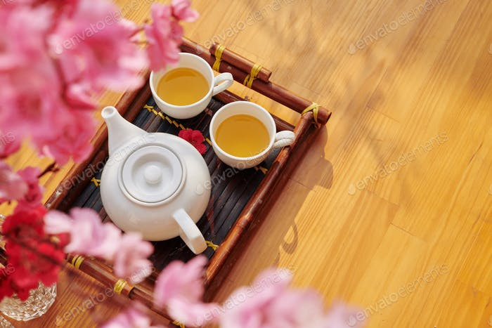 Tee für das Mondneujahr