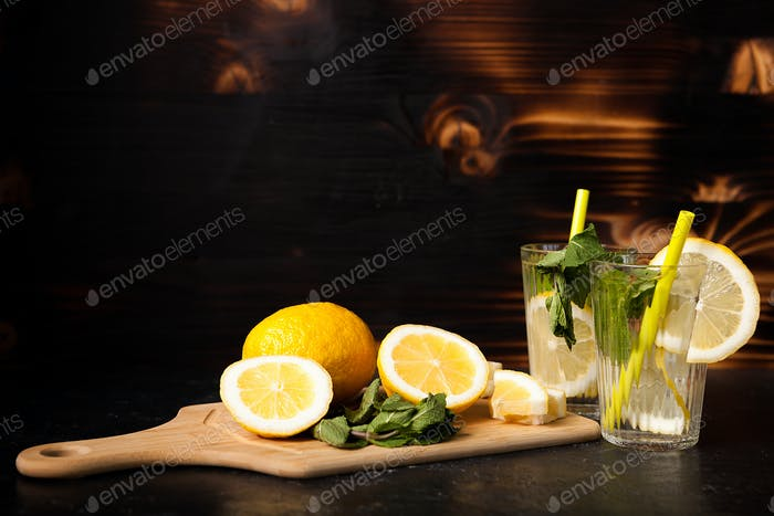 Refreshing lemonade made of fresh lemons