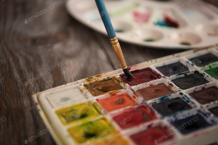 Artist's palette, close-up. Selective focus on the foreground.