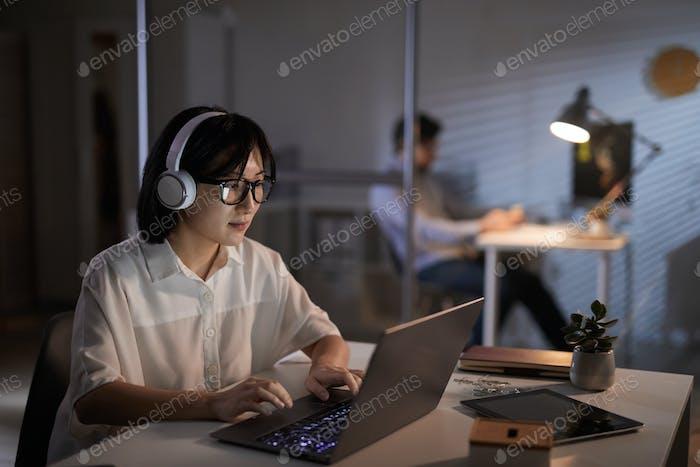 Designer arbeiten bis zum späten Abend