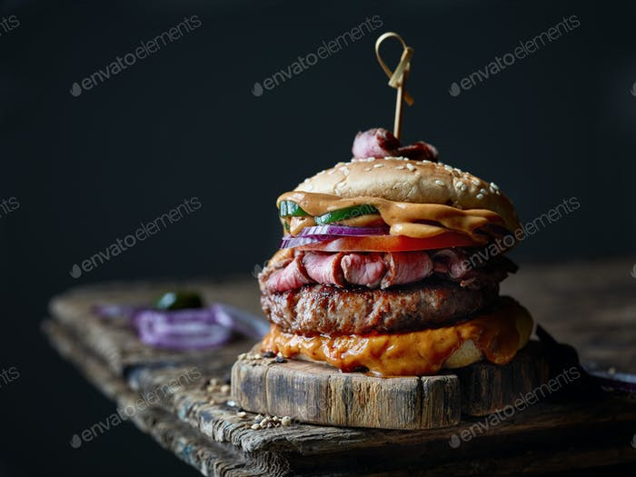 frischer leckerer Steak-Burger