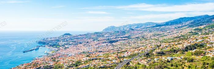 La capital de la isla de Madeira - La ciudad de Funchal
