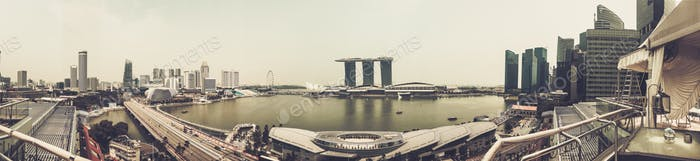 Singapur - 13. Nov: Panoramablick auf die Marina Bay Sands in Singapur. November 13, 2015