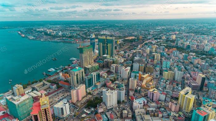 Luftbild der Oase des Friedens, Stadt Dar es Salaam