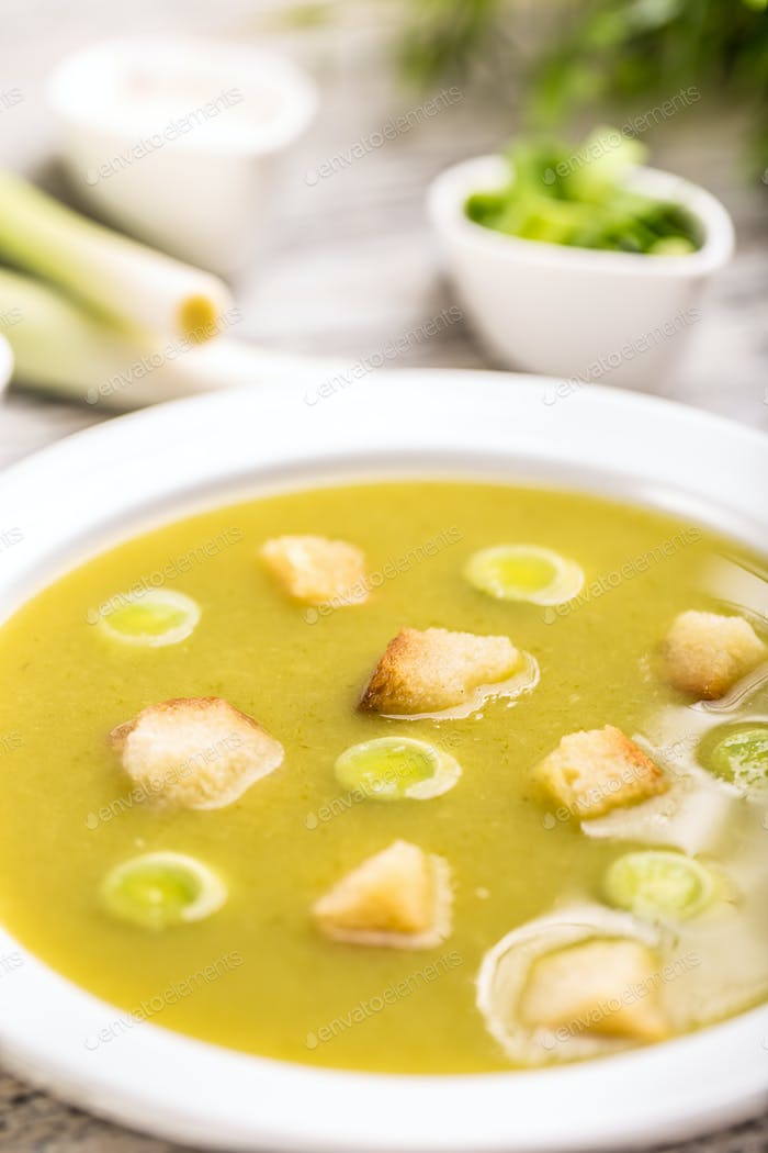 Leek cream soup