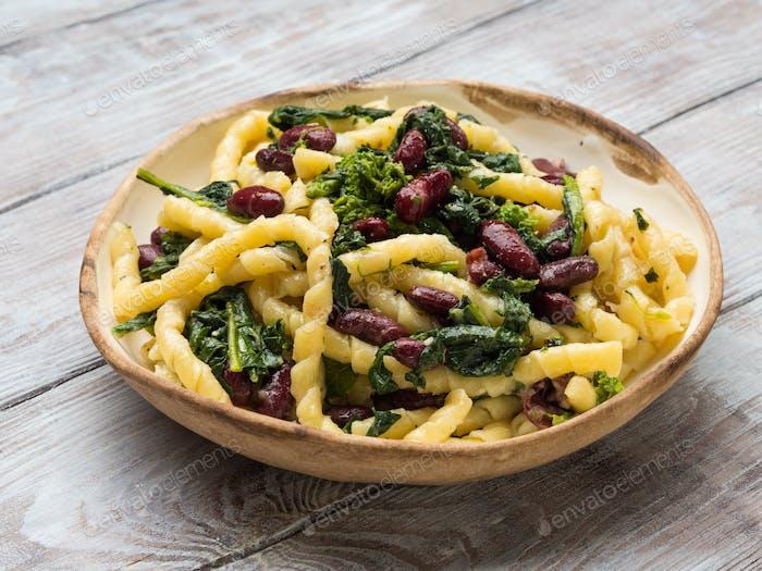 Italian artisanal pasta with kidney beans