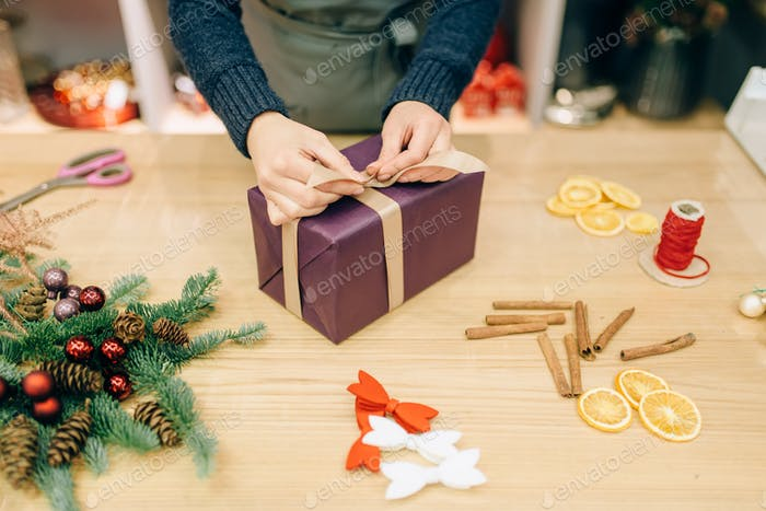 Gift box wrapping and decoration, handmade packing