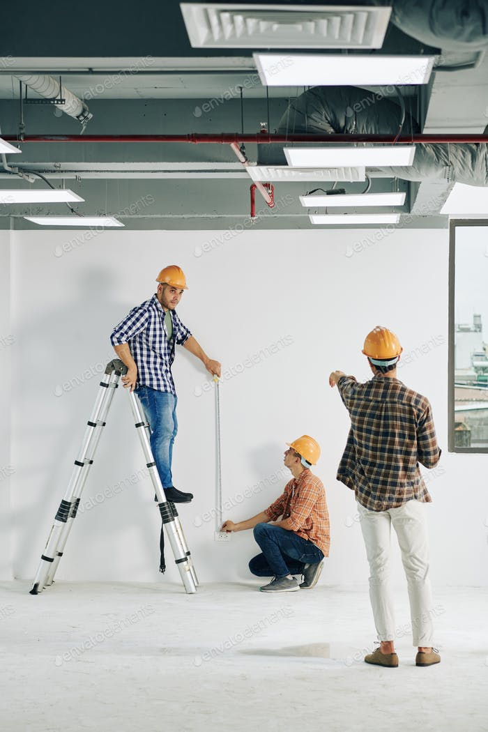 Measuring straight line on wall
