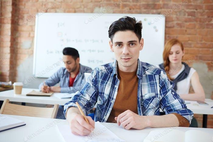Guy bei der Prüfung