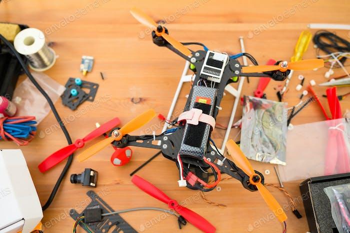 Bau der Drohne