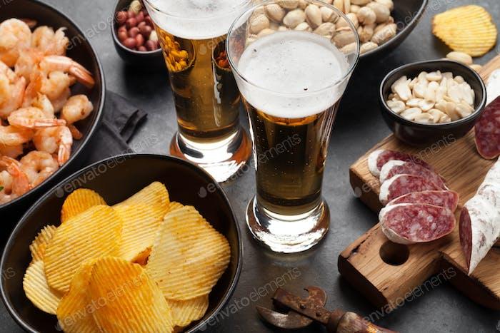 Bier vom Fass und Snacks