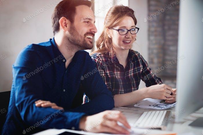 Ingenieros de software Trabajo en el proyecto
