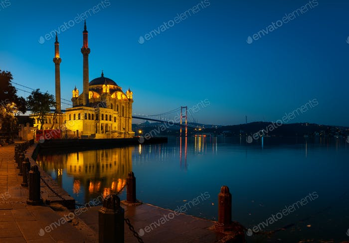Mosque Ortakoy at sunrise