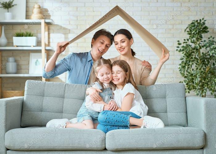 Konzept des Wohnens für junge Familie.