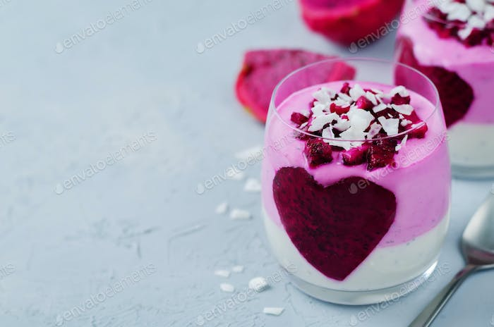 Greek yogurt pitaya Chia seeds parfait