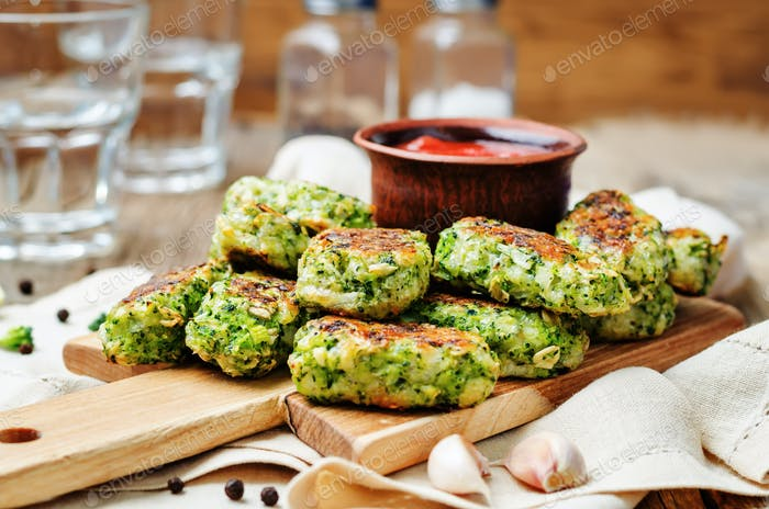 baked broccoli oat cheese sticks