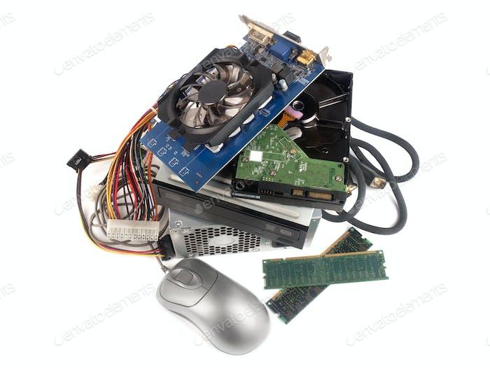 Elektronisch Abfälle isoliert auf weiß