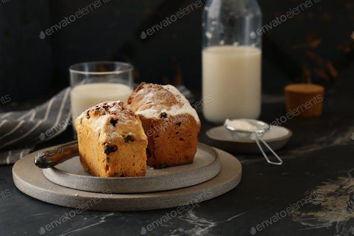 Fruit Cake with Raisins