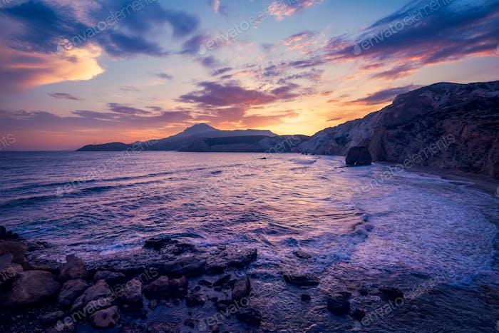 Fyriplaka Strand am Sonnenuntergang, Insel Milos, Kykladen, Griechenland