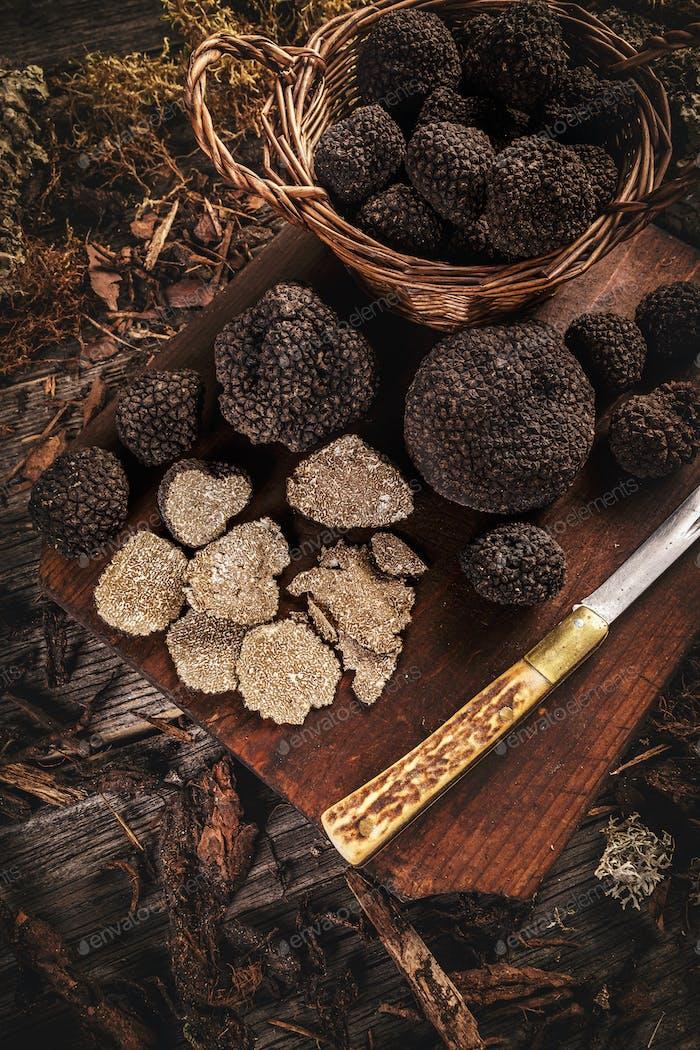 Delicacia trufas negras
