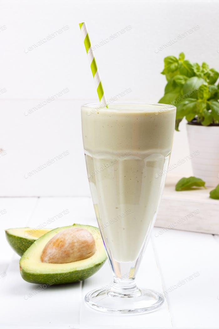 Avocado Shake oder Smoothie