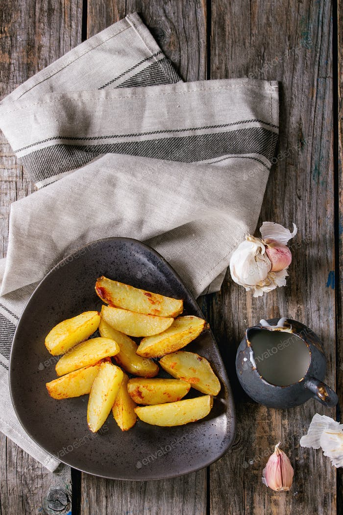 Fried potatoes with sauce