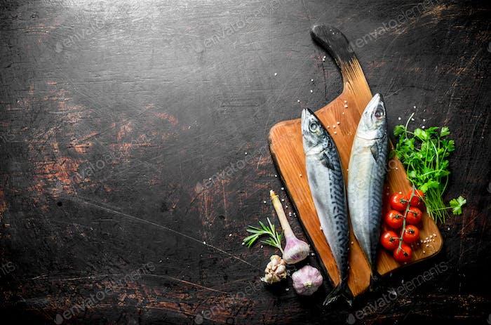 Raw mackerel with parsley, tomatoes and garlic.