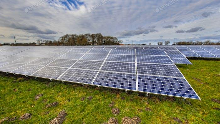 Sonnenkollektoren einer Photovoltaikanlage