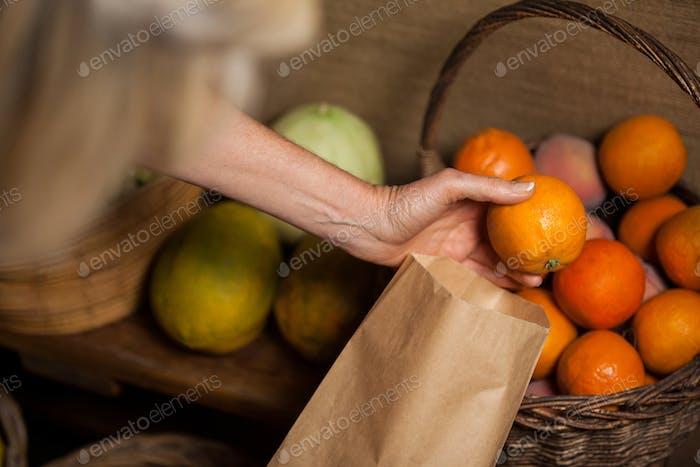 Personal Verpackung Orangen in Papiertüte