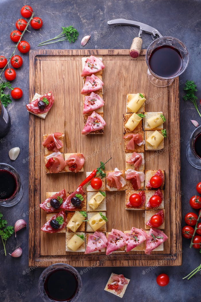 Pinxtos, tapas, spanische canape party finger food
