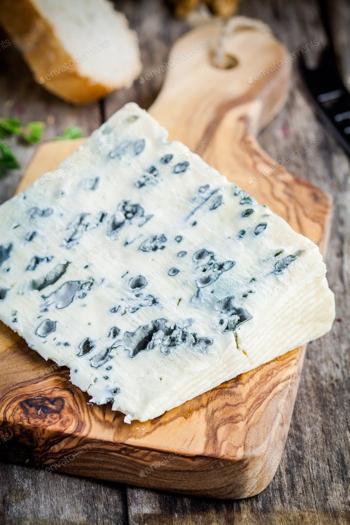Blue cheese slice